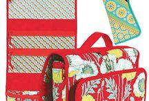 Bag Patterns & Tutorials / by Merideth Fernandes
