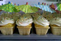 Cupcakes / by Wendy Blom