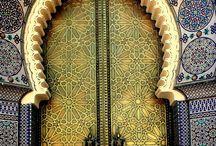 doors / by Carol Lopez