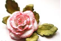 Flores / by Paula Cruz Dutra