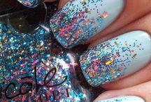 Nails / by Laura Jonker