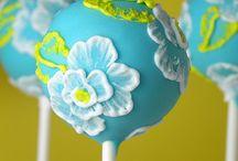Cake pops / by Stephanie Thompson