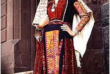 Folkloric, Traditional Dress / by Scoop Erickson