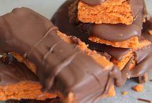 Tasty Desserts / by Lisa Perdue