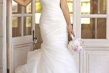 Wedding Dress / by Shannon McGrath