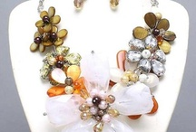 chunky necklaces / by Brandy Burridge