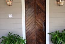 Lovely doors / by Erika Brendle