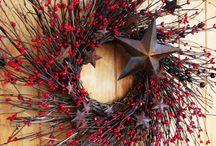 wreaths / by Maria R