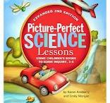 school-Science / by Robin Bobo