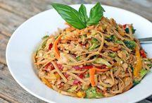 Salad Recipes / by Ashley Schmitz