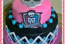 cumple monster high / by Nora Gomez