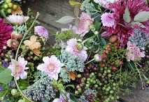Wreaths / by Mari Crea