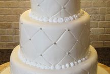 Wedding cakes / by Jamey Zazueta