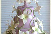Beautiful cakes...just wow!!! / by Rita Kaplin