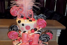 Cakes & Cupcakes / by Marilyn Ledesma