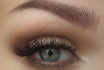 Make up / by Jeannette Eysink
