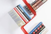 Os livros na estante... / by Mirna Tonus