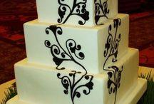 cake craze / by Jessie Lingafelt Sadler
