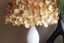 Lampshade / Decorando esa lamparilla que se quiere ver bonita  / by Eleana Duran