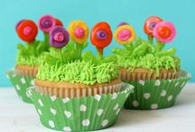 Creative Cupcakes & Toppers / by Janine (sugarkissed.net)