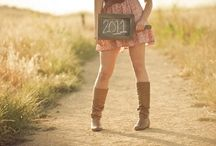 Graduation Picture Ideas ✌️ / Grad pics! / by Kellie Campbell