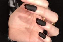 Nail art designs for AW14 / All the nail art ideas your fingertips need for Autumn Winter... / by Handbag.com