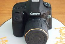Camera Cakes for Your Photographer / by Lori Wells