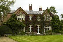 Oh Manor / A backyard/ manor wedding / by Sarah Jane Powell