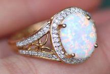 Jewelry / by Fionna Hayner