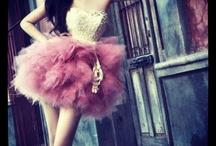 Beautiful dresses / by Sarah Larsson Bernhardt