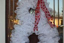 wreaths / by Tiffany Gasperson