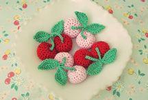 Crochet / by Deonn Stott