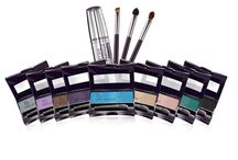 Make Up Days Board / by Carmen Peters