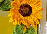 Crochet - Flowers & Doilies / by Sissy Straton Frosty Dai Crochet