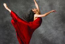 (●`з´●) Dance Poses and Beauty Shots (●`з´●) / Smile for the camera~ / by φ(・ω・♣)☆・゚:* Cherri φ(・ω・♣)☆・゚:*