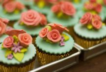 Cupcakes and Small Cakes / by Karen Huang