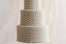 cakes / by Maria Eliza Coutinho Brass