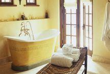 Salle de bain / by Kelvin Holland