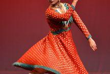 Danzas de la India / by MaGo Dittel
