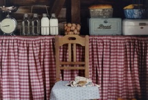 the Simple Life / Simple things in life, gardens, clothing, aprons, food, decor, farmhouse, flowers / by Toni Holder