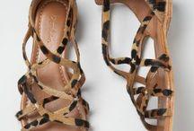 Zapatos / by Berta Chaya