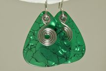 Wire-wrapped Jewellery / Pretty things created with wire!  / by Anita Bora
