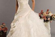Dream Wedding <3 / by Madison Mckemy