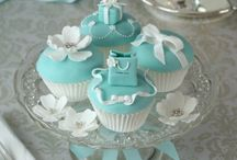 Cupcakes / by Candayce Chapman