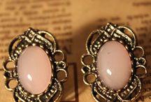 Jewellery that I love / by Renji Anooj