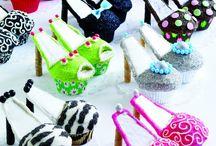 Bake me a cake (& decorate it too) / by Jenniffer Jarrett