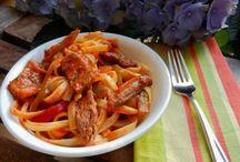 Easy Dinners / by Rebecca VanCuyk
