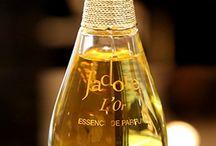 Perfumes / by Jacqui Jellis