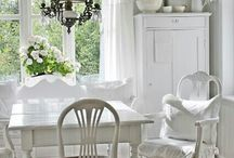 Brocante, Cottage & Shabby Chic (and a bit of Scandinavian) / by Elizabeth