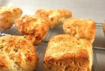 gluten free baking / by Marissa Lindgren